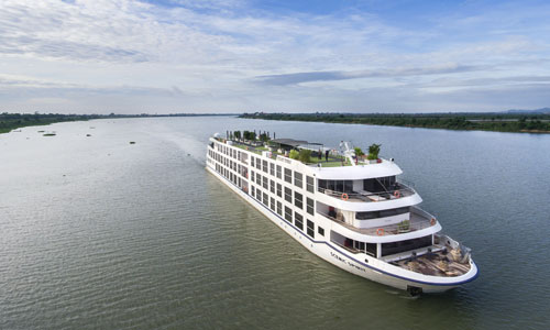 Set sail in 5-star luxury on board Scenic Spirit
