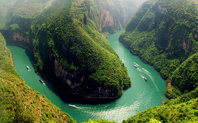 Cruise the Yangtze River on board Sanctuary Yangzi Explorer